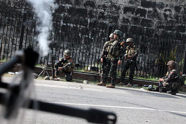 GAINING HEADWAY: Government troops clear 70 percent of battlezone. Photo by Rappler